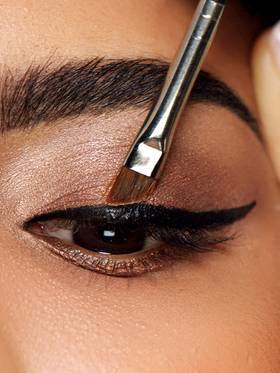 maybelline-eyeliner-tips-tricks-hacks-3x4