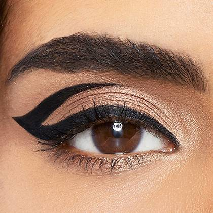 maybelline-eyeliner-graphic-arrow-look-1x1