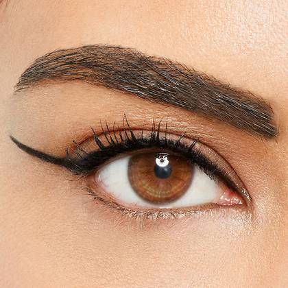 maybelline-eyeliner-long-line-look-1x1