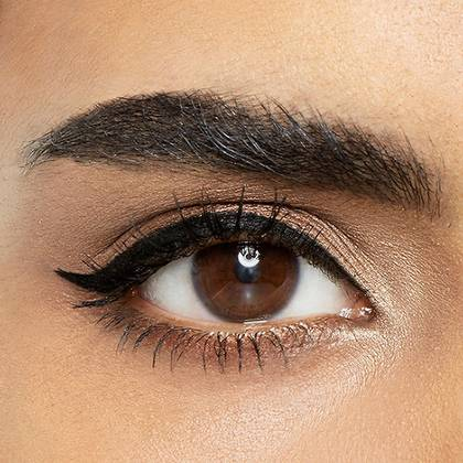 maybelline-eyeliner-winged-eye-look-1x1