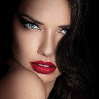 lip-category-color-sensational-lipstick-adriana-lima-beautyimage-1x1